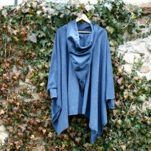 Bio Poncho in Viereckform mit Kapuze, BioBaumwollFleece dunkelblau